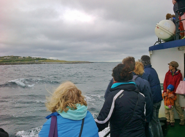 Approaching Inis Óir, people on deck were hanging onto the railings.